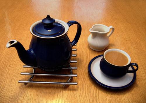 teapot_cup_and_saucer.jpg